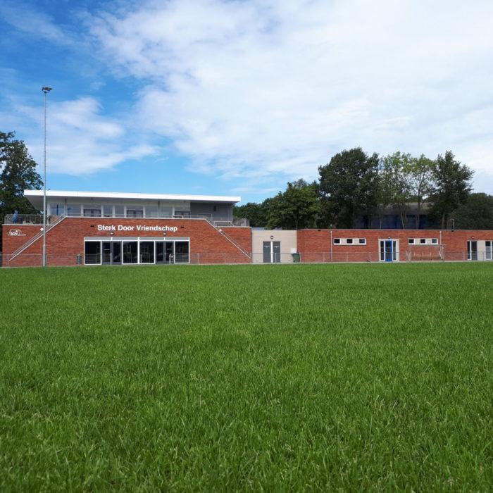 8 kleedkamers + clubgebouw S.D.V. Barneveld